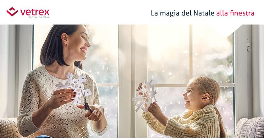 10 Idee per decorazioni natalizie per finestre originali